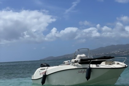 Hire Motorboat Quicksilver Activ 505 Open Fort-de-France