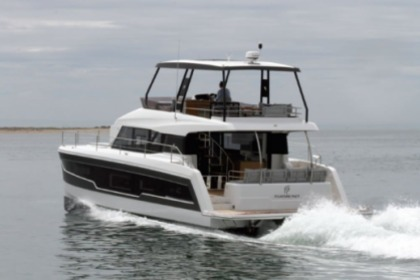 Hire Motorboat  Fountaine Pajot M/Y 40 Capo d'Orlando