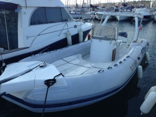 Charter rIB in Saint-Raphaël peer-to-peer
