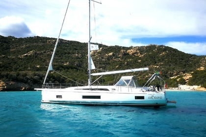 Hire Sailboat Beneteau Oceanis 46.1 Cannigione