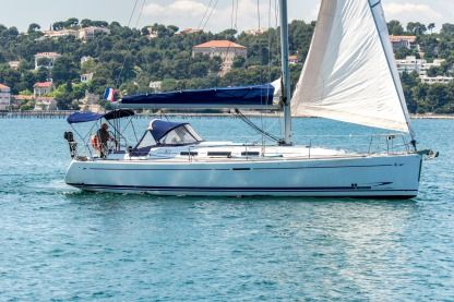 Charter Sailboat Dufour 40 Performance Saint-Mandrier-sur-Mer