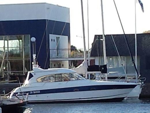 bateau a moteur traduction espagnol