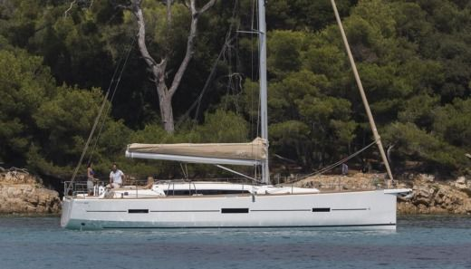 Dufour 460 Grand`Large (4 Cabins, From 2016) a Horta da noleggiare