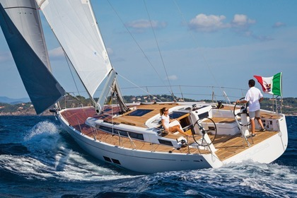 Hire Sailboat GRAND SOLEIL Grand Soleil 43 Carloforte