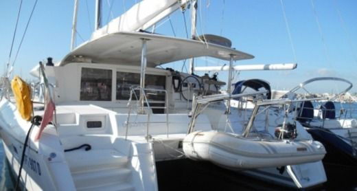 Catamaran Lagoon 421 for hire