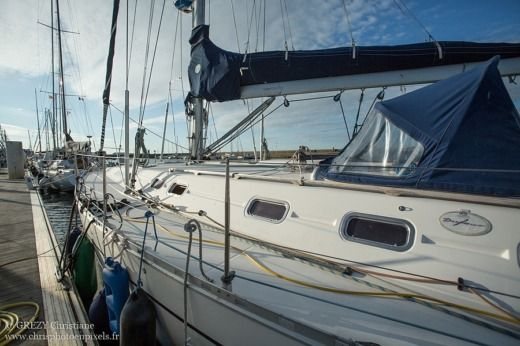 Dufour 50 Classic in Cherbourg for hire