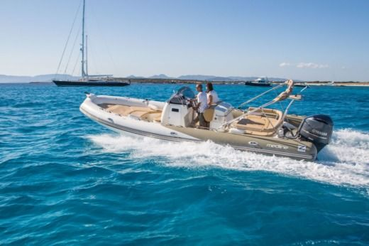 Miete RIB Zodiac Medline 8,50 Ibiza