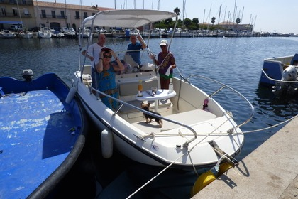 Charter Motorboat BRUNSWICK MARINE IN EMEA ACTIV 605 OPEN Agde