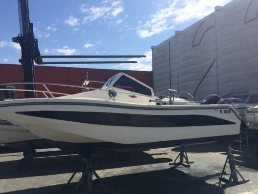 Motorboat Mls Storia for hire