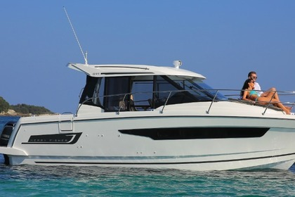 Hire Motorboat JEANNEAU MERRY FISHER 895 Zadar