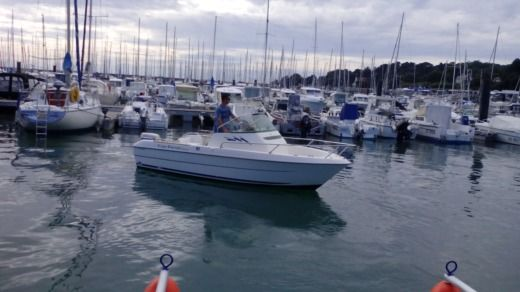 Motorboat B2 MARINE Cap Ferret B2 Marine WA 5.50 for hire
