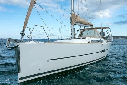 Charter Sailboat DUFOUR 350 GL Portisco