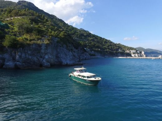 Chris Craft Commander 31 a Positano
