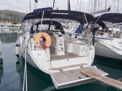 Rental Sailboat Bavaria Cruiser 33 Seget Donji