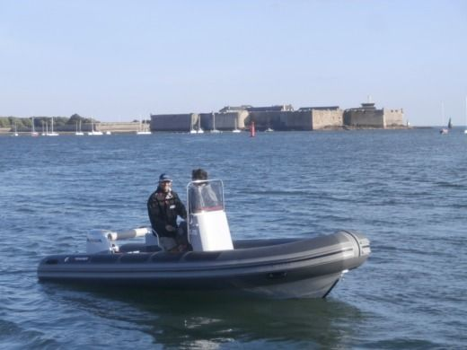 3D TENDER Patrol 5.35 in Port-Louis zwischen Privatpersonen
