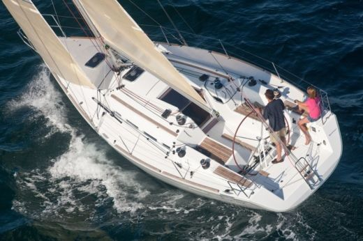 Beneteau First 35 in Marseille peer-to-peer