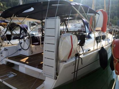 Rental Sailboat Dufour 382 Tropea