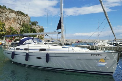 Hire Sailboat BAVARIA 37 Nerja
