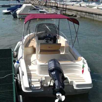 Charter Motorboat Ascari Prestige One 19.2 Pacengo