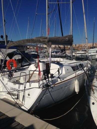 Jeanneau Sun Odyssey 30i in Bormes-les-Mimosas for hire