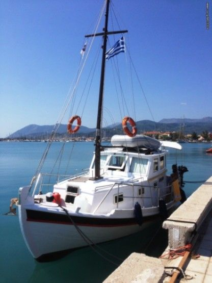 Rental Sailboat Wooden Sailing Boat Trehandiri Mykonos
