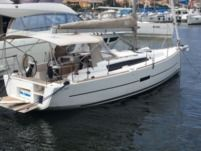 Sailboat Dufour 360