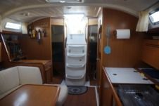 Sailboat Beneteau Cyclades 39