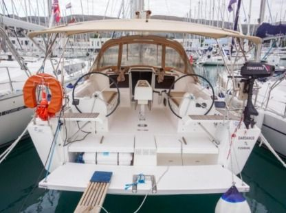 Rental Sailboat Dufour 382 Gl Seget Donji