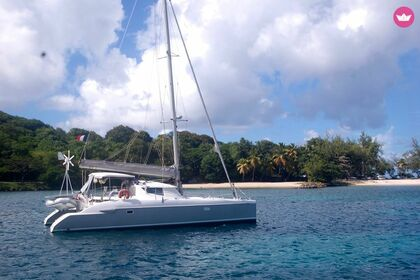 Rental Catamaran Fountaine Pajot Lavezzi 40 Le Marin