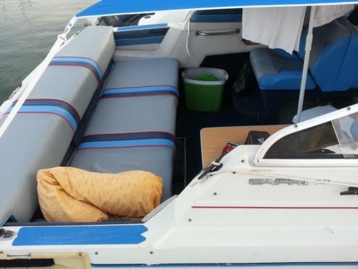 Motorboat Bayliner Cappri Cudi for hire