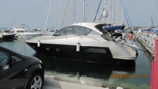 Motorboat Grginic Yachting Mirakul 40 Hardtop for hire