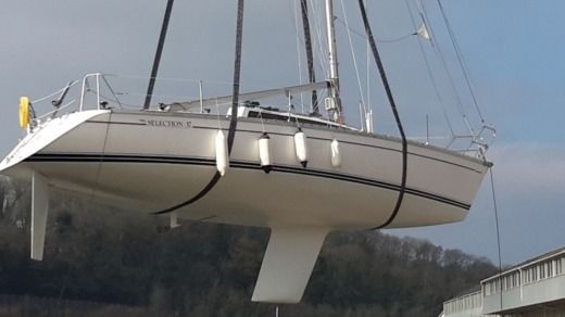 Sailboat Jeanneau Selection 37