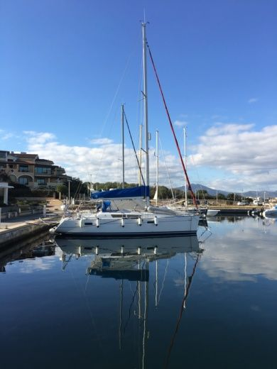 Jeanneau Sunodyssey 39I in Olbia for rental